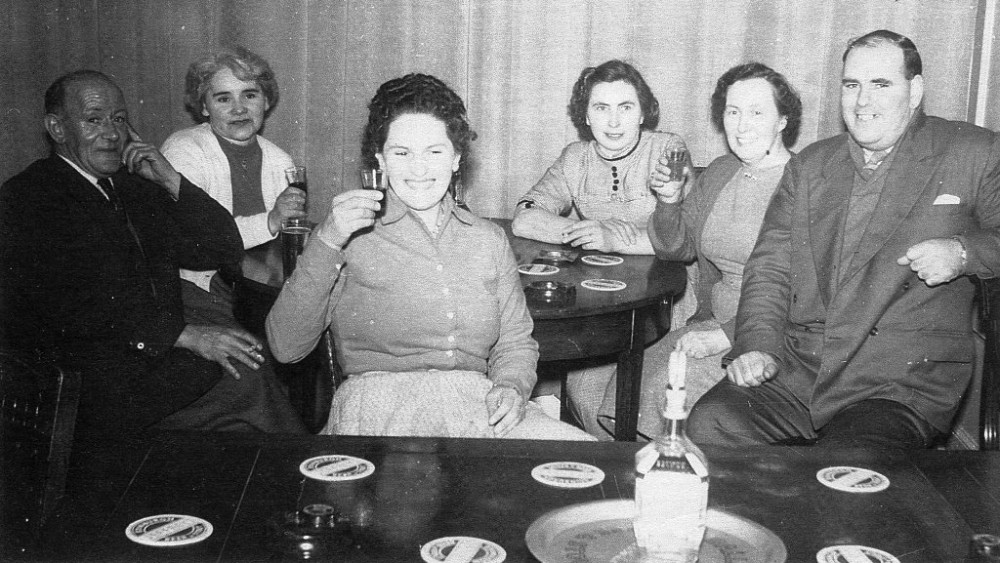 Foyers Hotel owners Mr and Mrs Kenneth Grant retiral party c1960.  L-R Hugh Gray (Horner), Isie Fraser, Anna Maclaren, Ina Murray, Sadie Hipkins, Jackie Moir. Photograph courtesy of Buddy Macdougall