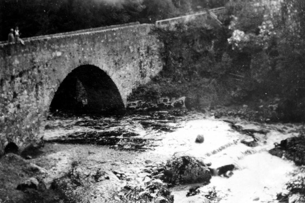 The Wade Bridge at Inverfarigaig 1935 .    Photograph courtesy of Roger Creegan