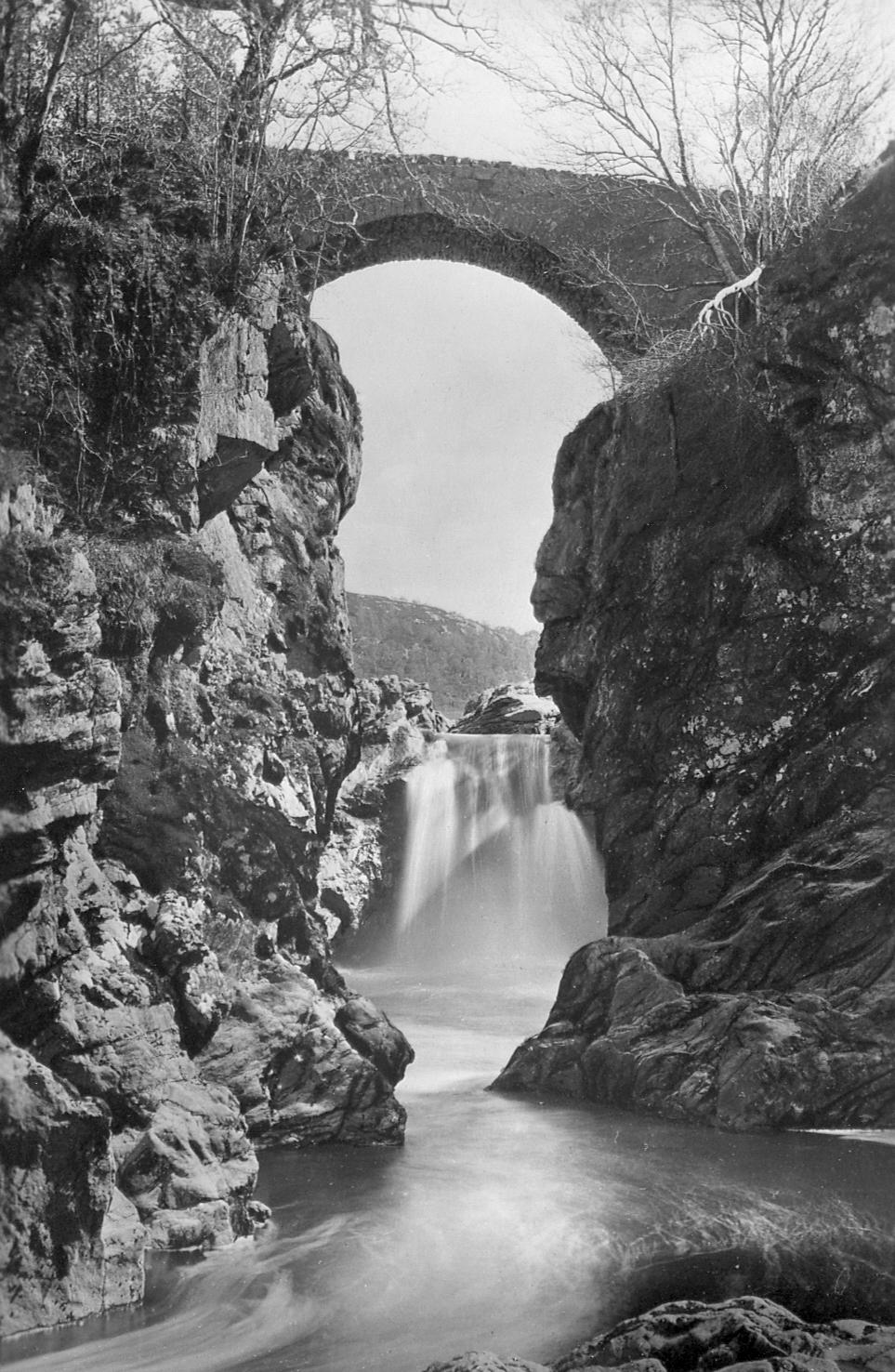 Upper Falls Bridge Glenlia Foyers  Photograph courtesy of Alister Chisholm