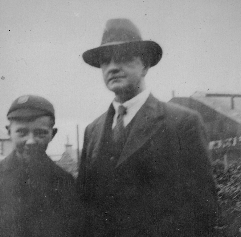 Ronnie with his father Archibald around the early nineteen thirties