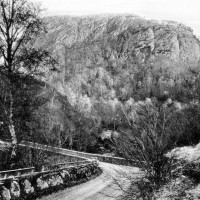 Dun-dearduil and Inverfarigaig  bridge around 1930  Photograph courtesy of Alister Chisholm