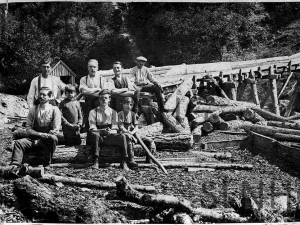 Woodmen at the Inverfarigaig saw mill in 1922.